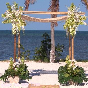 altar de madera para bodas