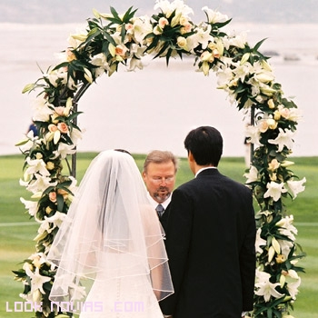 flores color crema para bodas