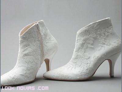 botines sin plataforma para novias