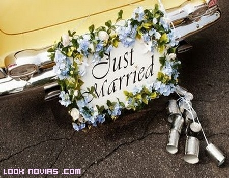 Diferentes carteles Just Married para inspirarte