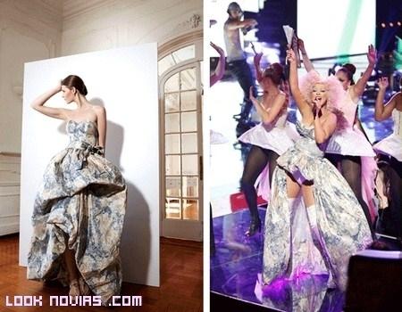 Christina Aguilera y su vestido de YolanCris