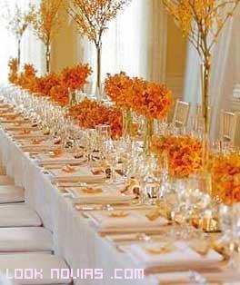 mesas en colores naranja