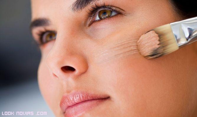 Novias con maquillaje sencillo