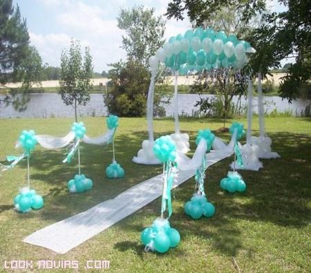 Globos para decorar tu boda for Arreglos con globos para boda en jardin