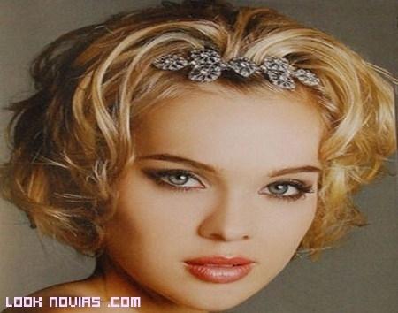 Más peinados para novia con pelo corto