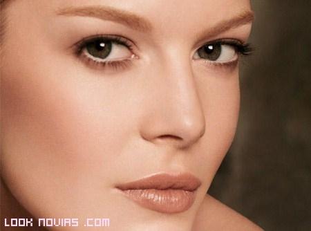 Maquillaje Nude para novias naturales