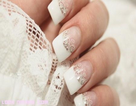 Cuatro ideas de manicura elegante para novia