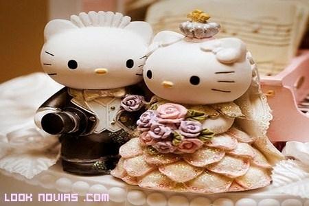 Tarta nupcial con muñecos Hello Kitty