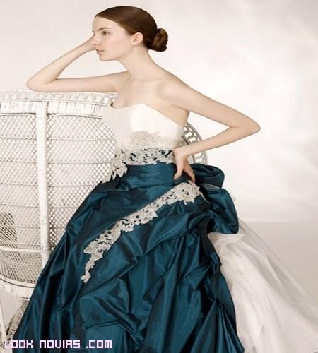 Novias elegantes y llenas de color con Toi Couture