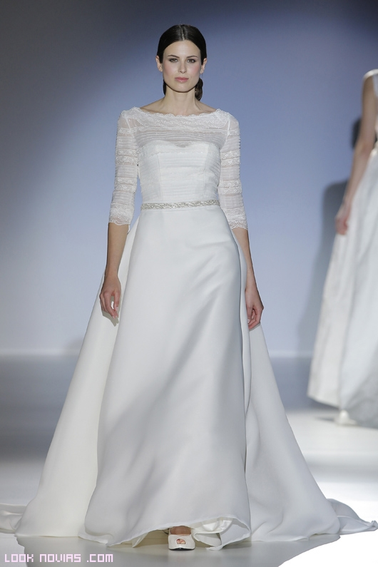 Vestidos de novia con cinturones de pedrería