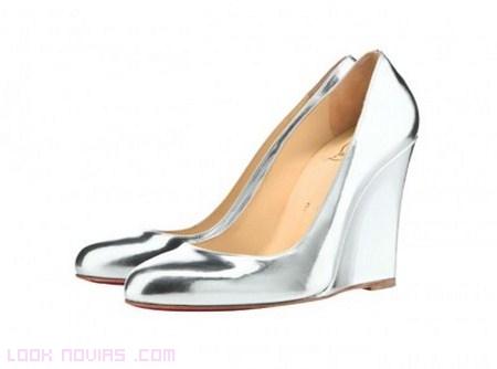 zapatos de novia en color plata