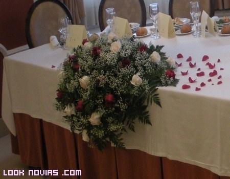 Rosas para tu mesa nupcial