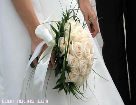 Ramos de novia para la primavera 2013