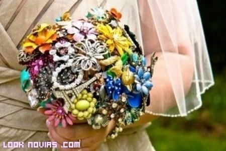 Ramos de novia con broches