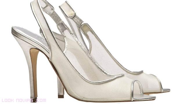 Zapatos ribeteados en plateado
