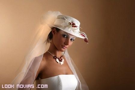 Sombreros para novias 2012