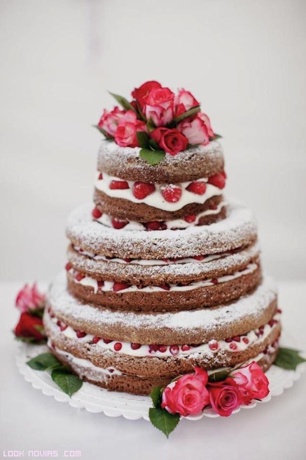 Tartas nupciales con fresas y nata