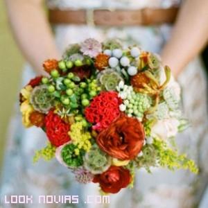 ramos de novia con frutas silvestres
