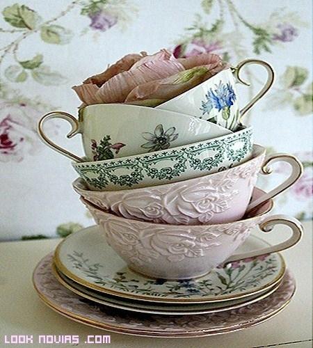 Un complemento vintage en tu boda, la vajilla