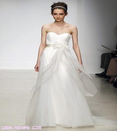 Más colecciones para el 2013: Christos novias