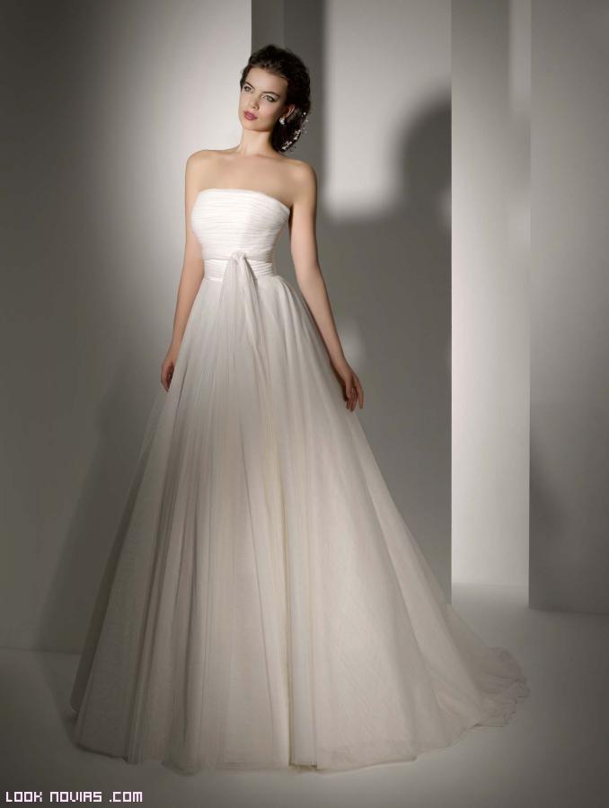 vestidos de novia con lazos delanteros