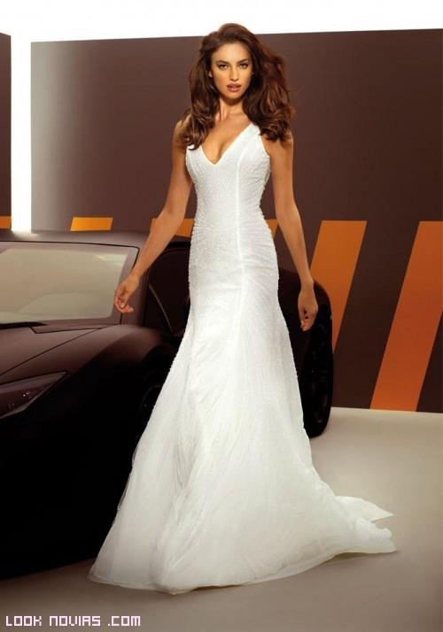 novias con vestidos ceñidos