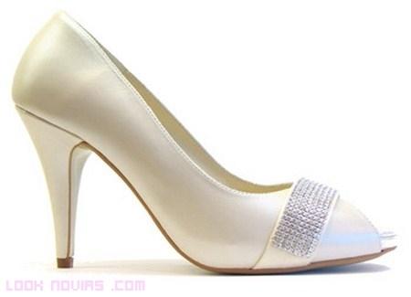 zapatos para novia de nuria cobos