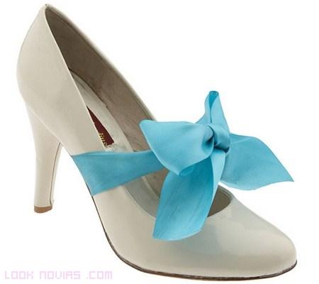 Zapatos con un toque azul