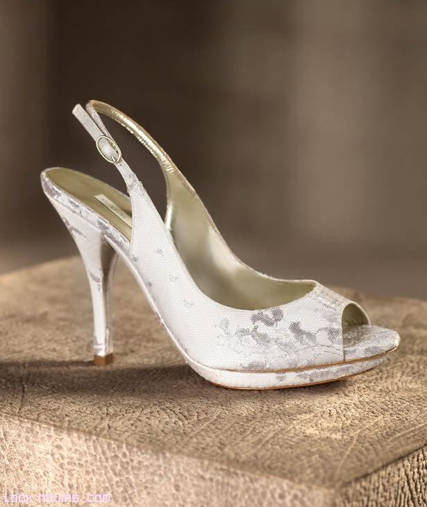zapatos de tela bordados