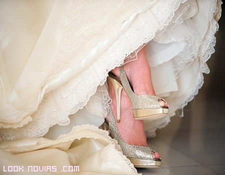 Zapatos con purpurina para novias