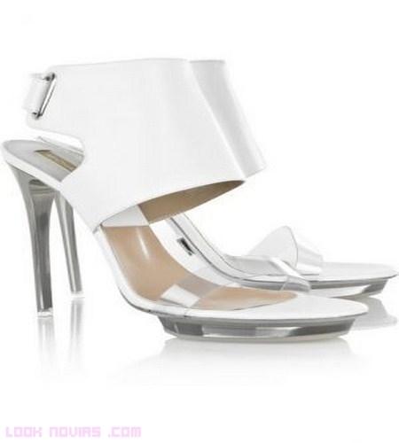 Novias con zapatos Michael Kors