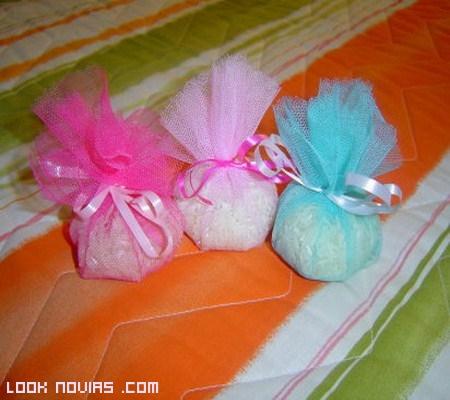 Bolsitas de colores para el arroz