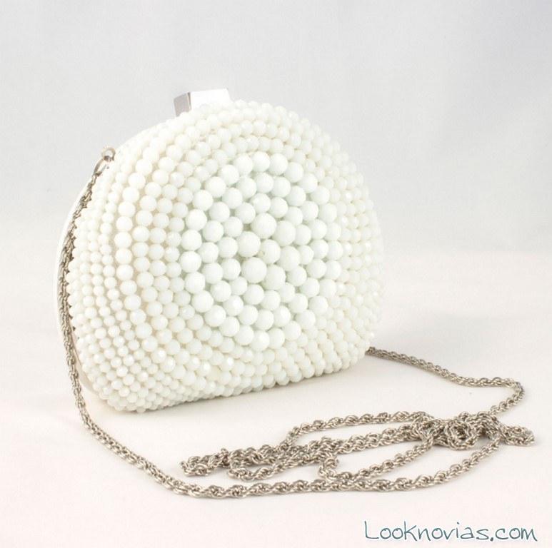 bolso redondo con perlas