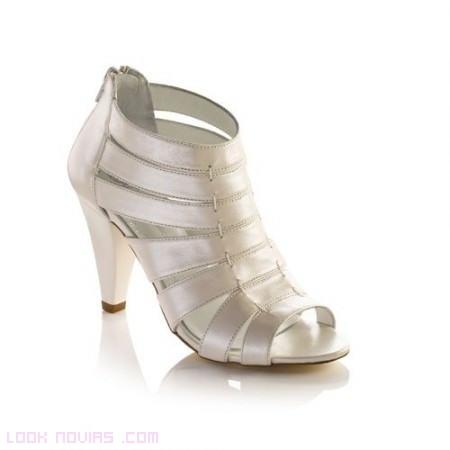 nueva tendencia en zapatos de novia