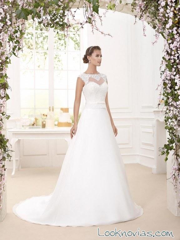 escote recto con bordados y tul de novia d´art