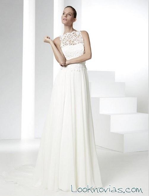 falda plisada para novia con escote de encaje
