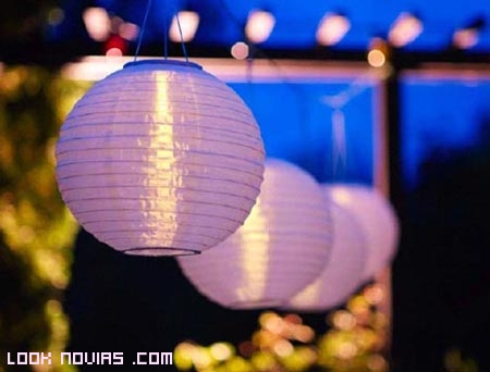 Farolillos para iluminar y decorar tu boda