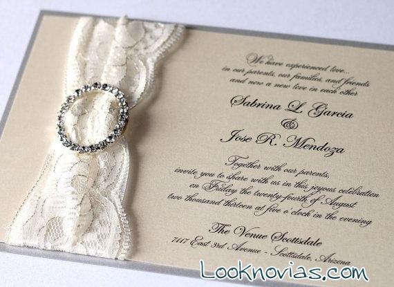 invitaciones con encaje y adornos