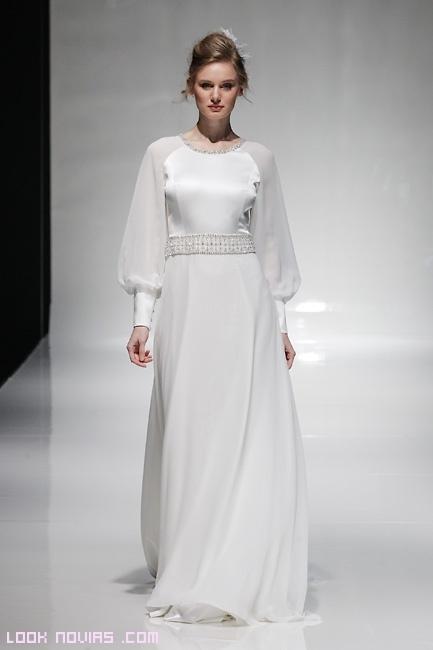 vestidos de corte griego con mangas