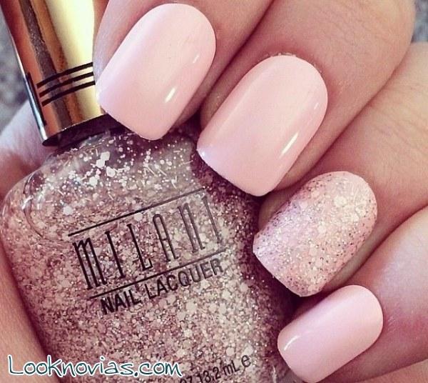 Manicura en color rosa pastel