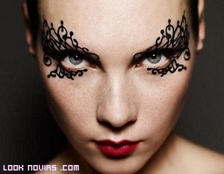 Un maquillaje muy atrevido: con encaje