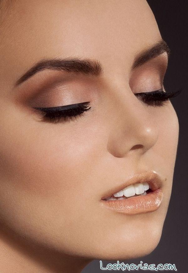 maquillaje de ojos con eye-liner