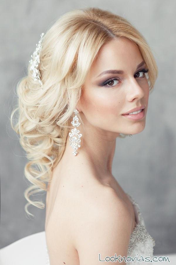 maquillaje para novias de piel  muy clara