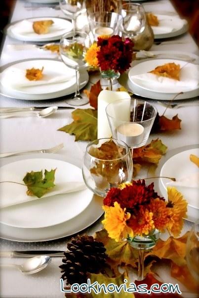 mesa con hojas para boda en otoo