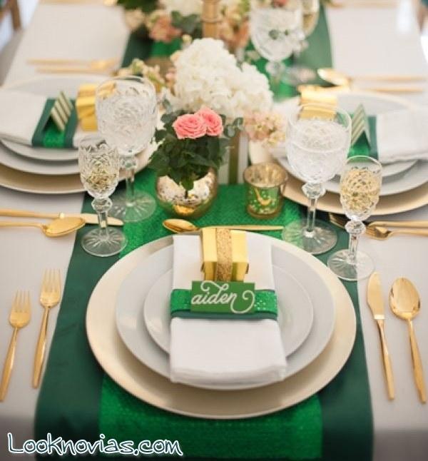 Mesas de boda con toques en dorado