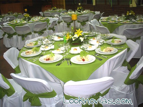 Tres ideas de mesas elegantes para tu enlace for Mesas decoradas para fiestas