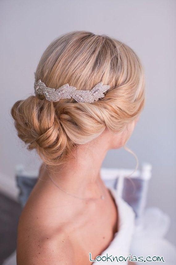 Peinados de novia con aire vintage - Monos bajos novia ...