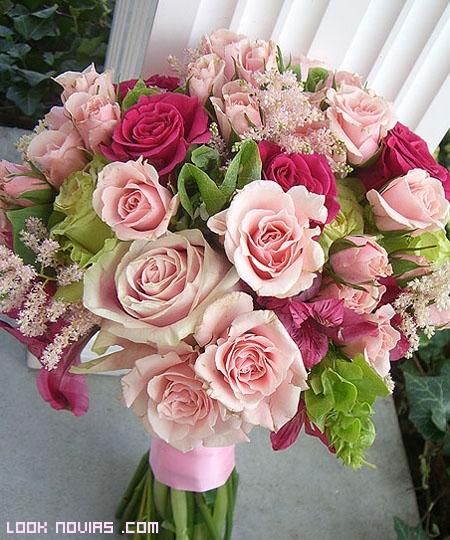 Las rosas para novia - Ramos de flores modernos ...