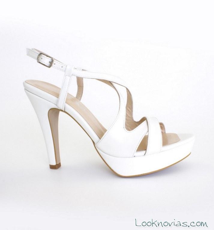 sandalia con tiras para novias