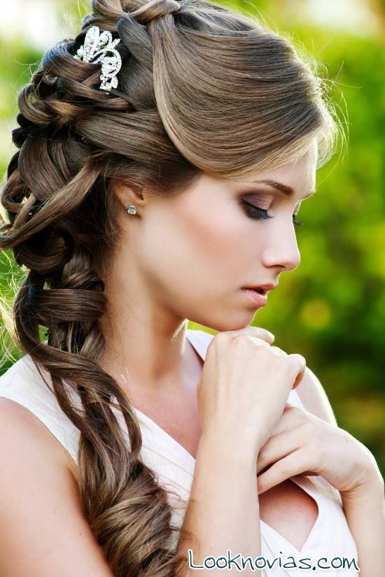 Tres peinados de novia muy elegantes - Peinados elegantes para una boda ...